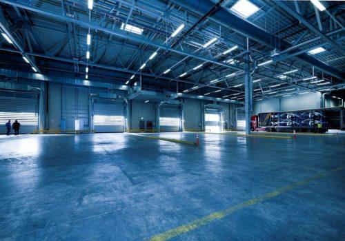 industrial-hall-1630738_1280-min